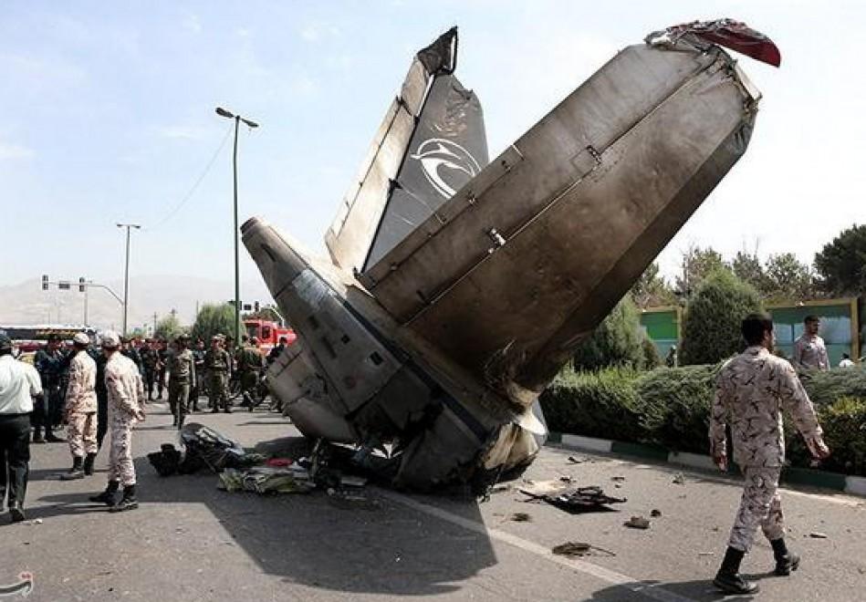 Aereo Privato Caduto In Iran : Iran aereo passeggeri si schianta a teheran repubblica