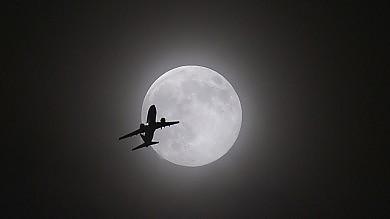 Super Luna, notte d'incanto nel mondo   Foto    il fenomeno visto dallo Spazio  foto         I vostri scatti - 1     - 2    -  3    -    4    -    5