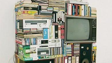 """Stereo, Dvd, Gps, fotocamere e chiavi  i dispositivi """"inghiottiti"""" dagli smartphone"""