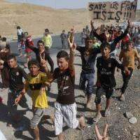 """Iraq, pochi yazidi assediati: nessuna evacuazione. Ue in campo. E Al Maliki """"si arrende"""""""