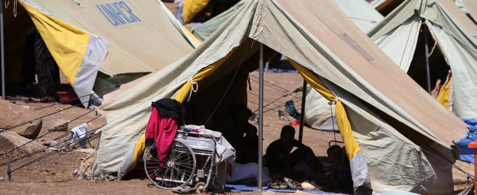 """Iraq, i racconti dei profughi yazidi: """"Ho ucciso mia madre per non lasciarla ai carnefici dell'Is"""""""