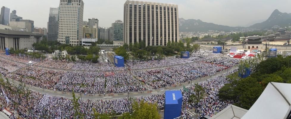 Il Papa in Corea, un milione di persone per la beatificazione di 124 martiri coreani