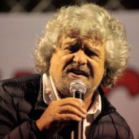 """Grillo sul blog: """"Vota l'Oscar per il giornalista dell'anno"""""""