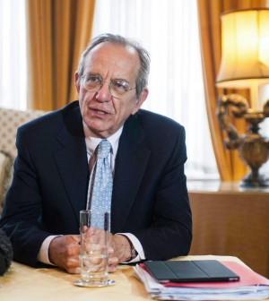 """Padoan: """"Anche la Bce faccia la sua parte.<br />Le riforme? Gli effetti nei prossimi due anni"""""""