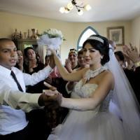 Jaffa, arabo sposa ebrea fra i reparti antisommossa