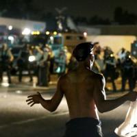Ferguson, dove la polizia non vuole che si veda e sappia quello che succede nella zona di...