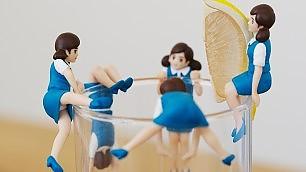 Aperitivo giapponese bamboline sui bicchieri