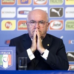 Razzismo, Uefa apre inchiesta su Tavecchio