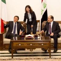 """Sì del Parlamento alle armi ai peshmerga. Renzi ai curdi: """"Insieme batteremo i terroristi"""""""