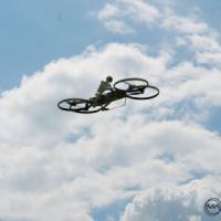 """Voleremo in bicicletta: ecco la """"hoverbike"""", quadricottero personale"""