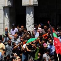 """Gaza, venti morti da fine tregua. Hamas minaccia: """"Colpiremo aeroporto Tel Aviv"""""""