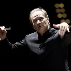 Bufera al Regio di Torino  il direttore Noseda lascia fallita mediazione di Fassino