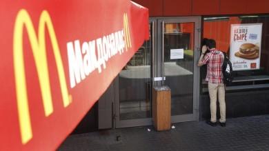 Russia, guerra strisciante a McDonald's  ispezioni e chiusure in tutto il paese
