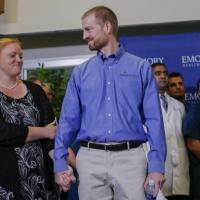 Ebola, guariti il medico e l'infermiera americani curati con il siero Zmapp