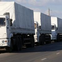 La Russia sfida l'Ucraina, convoglio umanitario varca la frontiera senza l'assenso di Kiev