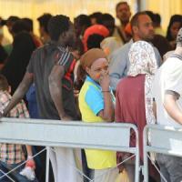 Rifugiati, ministro Baviera attacca l'Italia