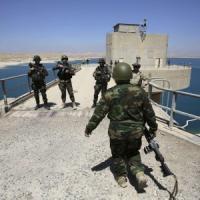 Iraq, strage in moschea: miliziani sciiti sparano su sunniti in preghiera