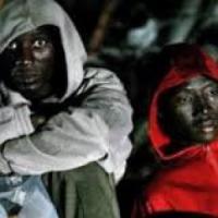 Libia, quei profughi schiavi come carne da cannone di cui ogni tanto va
