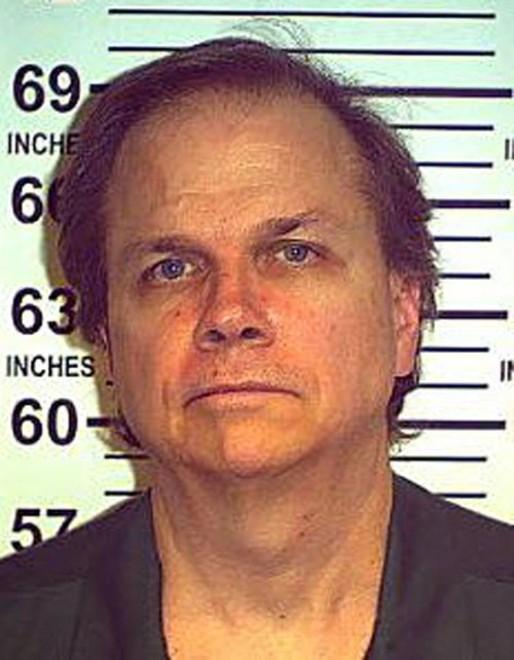 Usa, negata libertà per ottava volta all'assassino di John Lennon