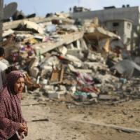 """Gaza, la mossa di Hamas: sì alla Corte dell'Aja. Mazen: """"Stop al sangue, servono nuovi..."""
