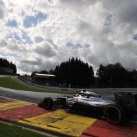 F1, nubi e luci: il cielo di Spa è uno spettacolo