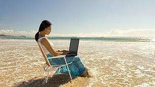 Telefonate lavoro-spiaggia Italiani primi in Europa