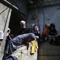 Gaza, nuovi raid: 7 morti. Abu Mazen: Israele vuole dividere il popolo palestinese