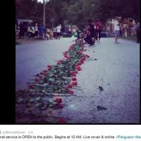 Usa, lacrime e rose su Twitter: i funerali di Michael Brown