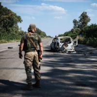 """Ucraina, Kiev: """"Combattimenti con blindati russi. Prigionieri 10 parà di Mosca"""""""