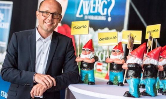 """Austria, spariti 400 gnomi del Partito Social Democratico: """"Rapiti dai conservatori"""""""