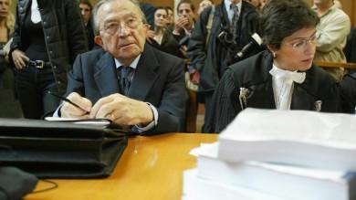 """Mafia, così Riina parlò di Andreotti """"Ci incontrammo ma il bacio non ci fu"""""""