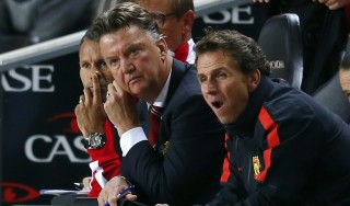"""Inghilterra, bufera sullo United: """"Maglia disonorata"""". Van Gaal si difende: """"Serve tempo"""""""