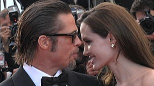 Pitt e Jolie beffano tutti   video   celebrate le nozze in Francia   Foto 1 -     2 -     Video  Set galeotto