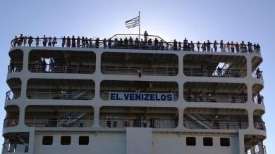 Olbia, ancora migliaia bloccati   dopo lo stop della nave GoinSardinia   foto