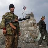 "Ucraina, i blindati russi sconfinano Obama duro: ""Mosca pagherà""   vd"