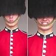 La guardia reale fa smorfie    Video  Show a Buckingham