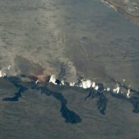 Islanda, il vulcano erutta ma il divieto di sorvolo è sospeso