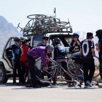 Afghanistan, donne in bici per l'emancipazione