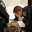 I funerali del cane poliziotto L'ultimo bacio del sergente