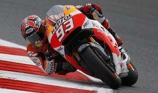 MotoGp, Gp Inghilterra : Marquez sempre in testa, crescono le Yamaha