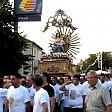 La processione vietata  per l'inchino al boss  'emigra' a Como: i fedeli  in pullman dalla Calabria