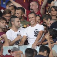 Roma, Taddei coi tifosi in curva Sud