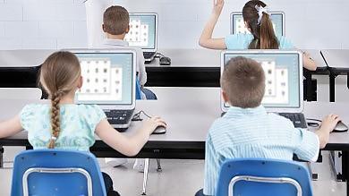 Apple e Google cercano geni tra i banchi delle scuole medie