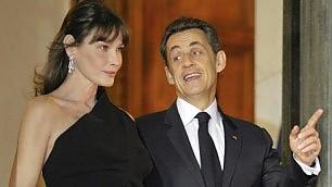 Sarkozy vuole tornare in politica Carlà è contraria: lite in vacanza