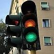 """Cassazione: """"La multa  per il passaggio col rosso  è valida anche se il giallo  al semaforo è breve"""""""