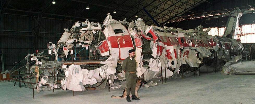 Scambi di accuse, bugie e depistaggi: ecco le carte segrete sulla strage di Ustica