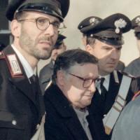 """Mafia, Riina: """"Io sono ancora terrificante e malvagio"""". I messaggi del padrino che si..."""