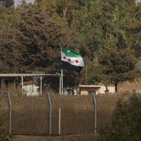 Iraq nel caos, famiglie di soldati scomparsi assaltano Parlamento. Ribelli siriani...
