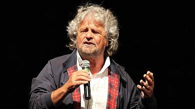 """Mille giorni, M5s all'attacco di Grillo:  """"Tassa dopo tassa, Renzi affonda l'Italia"""""""