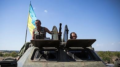 """Ucraina, Obama: """"Aumentare le forze di intervento della Nato""""   video"""